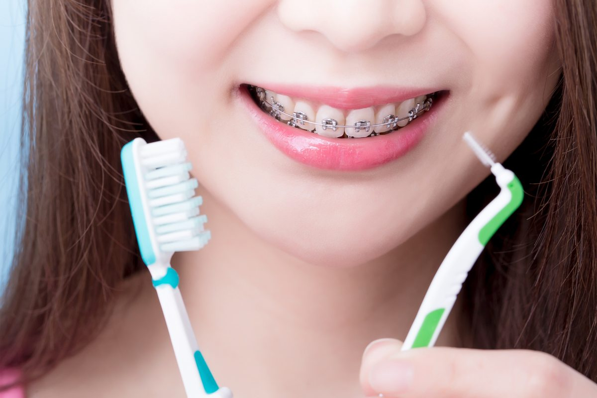 How to brush your teeth with braces?